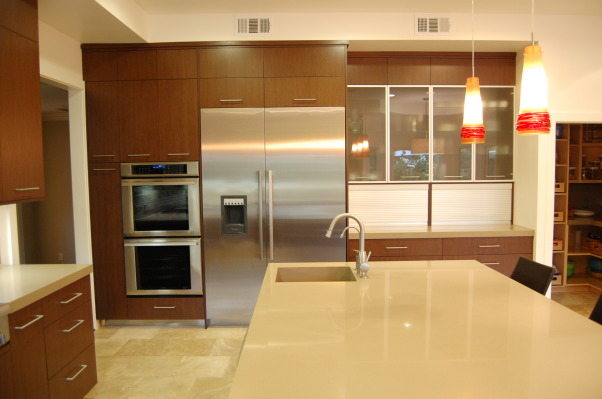 Modern, yet warm!, Balancing a new modern look with an existing traditional/asian flare was a challenge. I decided to stay in the warm color family with a touch of steel and glass., Kitchens Design