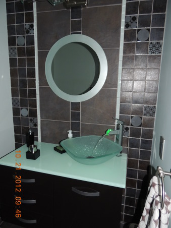 Circle Mozaic with frosted glass, Bathrooms Design