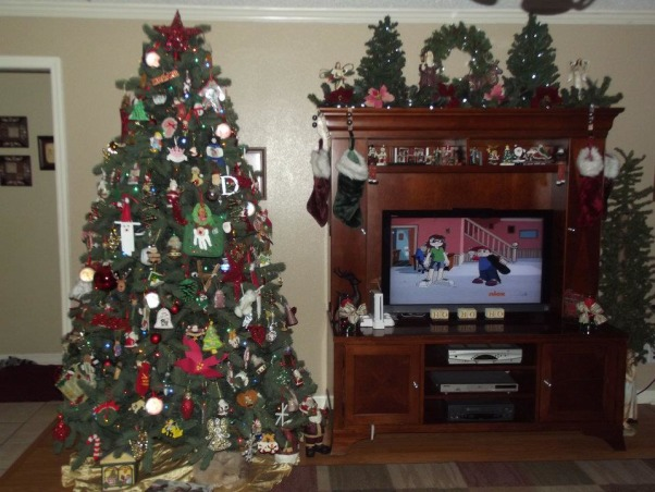 It's beginning to look alot like Christmas 2012, My living room.. This is the tree with all of our special ornaments from over the years. , Holidays Design
