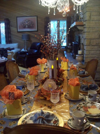 Fall Tablescape, Put together a tablescape with things I had around the house for a fall dinner with friends., Fall Tablescape - Quick put together with things I had around the house for a fall dinner with friends., Dining Rooms Design
