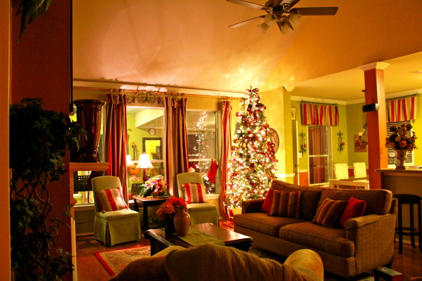 Christmas @ home, I love reds greens and lights and sparkles and Christmas and being home... Home is where my heart is...., Living Rooms  Design
