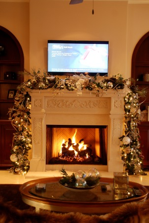Home for the Holidays in TEXAS!, overstuffed christmas tree and garland to boot!  Large ornaments with lots of ribbon and clear balls can make a grand impression., fireplace was 18 inch garland, large crystals, birds from Neimans, that brought the whole house together!, Holidays Design