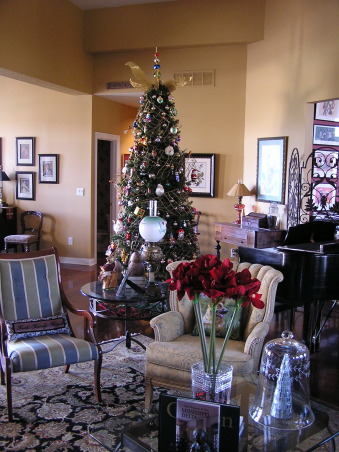 Christmas 2012, Living/Dining room.  This year, the glass tree went up., Living room into the piano area view.    , Holidays Design