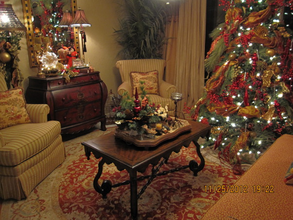 Texas Hill Country Christmas, There was no downside to our downsizing. We love our warm and cozy lake side cottage. ~Merry Christmas~ G, Sunroom , Holidays Design