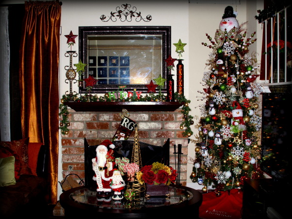 """All Hearts Come Home for Christmas"", Here is my Snowman Themed Christmas Tree  --- Gizelle, Los Angeles CA ), Holidays Design"