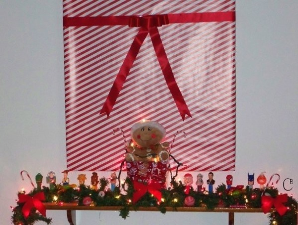 2009 Christmas Decorations, My sons pez collection, Holidays Design