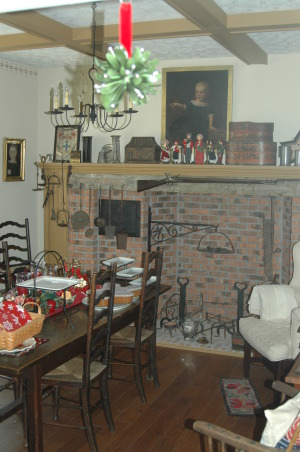 Gander Run Ridge at Christmas, Lodge Style Home Decorated for Christmas, Colonial Dining Room  , Holidays Design
