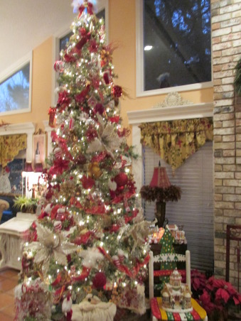 Christmas Video,  I wanted to share My Christmas home I decorated & thought HGTV was a great place to startI I was trying to post my Video but Im having trouble getting it to upload so I have to work on the video & Post later anyway here are some photos of my Home for christmas I decirated!, This is my christmas Tree i decorayed For Christmas(: I Love Christma,I tried to upload a video of my Home I decorated for Christmas but for some reason Im having trouble with that!   , Living Rooms Design