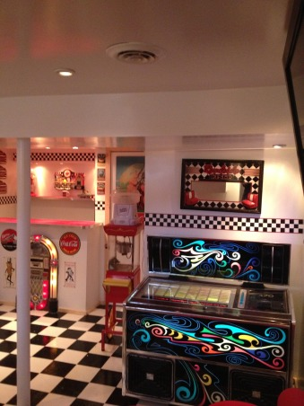 Retro 50's Diner/Bar, This was an unused basement space. I transformed it to a useable family room with a 50's look., Reto look in the basement. , Basements Design