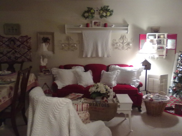 red/white christmas, Living Rooms Design