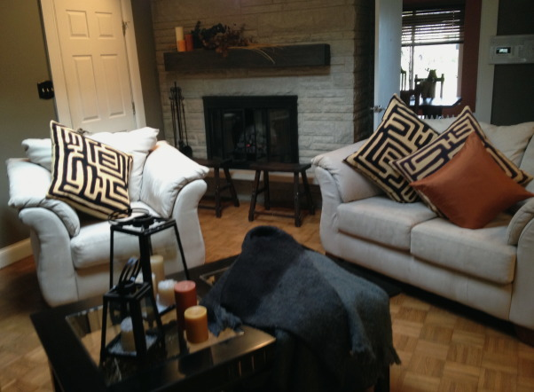 Great Room Area, don't ya just love big kilim pillows frm Pottery Barn   , Other Spaces    Design