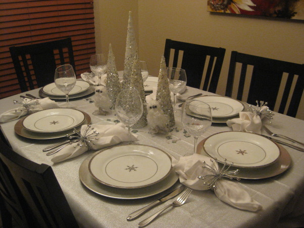Christmas Silver and White Tablescape 2012, I tried to match my tablescape to my christmas tree theme., White and silver settings for all my guests., Holidays Design