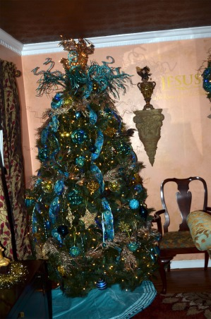 Christmas 2012, It's the Most Wonderful Time of the Year!, Blue Tree in the Dinning Room   , Holidays Design