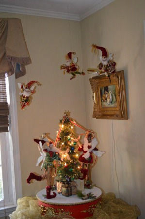 Christmas 2012, It's the Most Wonderful Time of the Year!, Elves dancing above the rotating Tree Decorators , Holidays Design