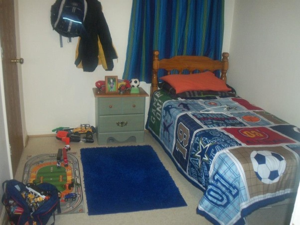 6 year old sons room, Sporty!, curtains before , Boys' Rooms Design