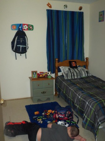 6 year old sons room, Sporty!, curtains and bedding before, Boys' Rooms Design