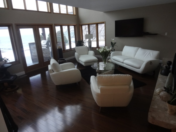 Superior Living... Lake Superior, Check out this newly renovated sunken livingroom, featuring many updates..., Living Rooms Design
