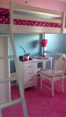 Lofty fun, My daughter has a small room so we wanted a space where she can both relax and play!, Desk for homework and studying, Girls' Rooms Design