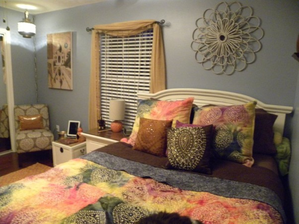 Bohemian style girls room, Bought fabric an Jo-ann fabrics and had it quilted at a quilt shop.  , Girls' Rooms Design