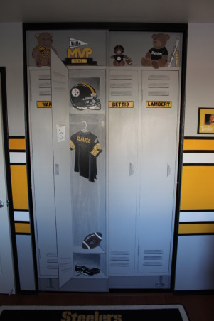 Steeler football room, Steelers football theme room. Included bears to make it more child like. All stripes are painted (not a decal). Lockers are also custom painted, Had artist friend paint closet to make it look like a real life locker., Boys' Rooms Design
