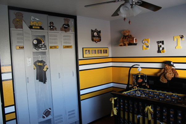 Steeler football room, Steelers football theme room. Included bears to make it more child like. All stripes are painted (not a decal). Lockers are also custom painted, custom closet., Boys' Rooms Design