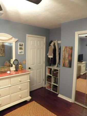 Bohemian style girls room, Place to drop your books and jackets when you come in the room.  , Girls' Rooms Design
