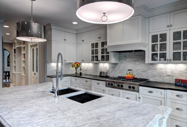 Classic White Kitchen, This is our classic white kitchen with a little flair of modern elements., Kitchens Design