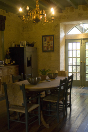 Pine and Free-standing English Country-Style Kitchen, Kitchens Design