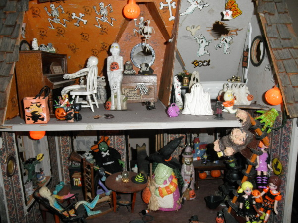 756 Halloween , Decorations, My haunted doll house    , Holidays Design