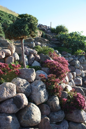 landscape works, photos of projects I have created with rock, metal, wood, and plantings,  Rockwork, Bliss yard, Gardens Design