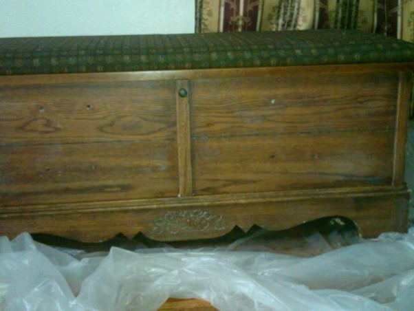 Cedar Chest Makeover, I bought this cedar chest at a garage sale for 30 dollars...the inside was like brand new clean, but the outside was yucky old and in need of help, Living Rooms Design