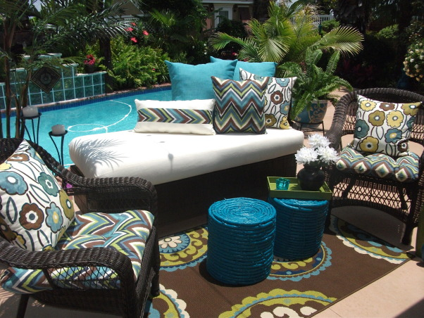 Poolside Patio Lounge with DIY Faux Wicker Daybed, DIY Outdoor/Poolside Makeover, Patios & Decks Design
