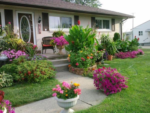 My little garden, Something that I love to do  :) , Front Yard :), Gardens Design