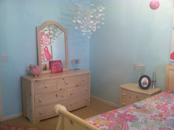 My daughters room :), My little girls room.  Loved the way it turned out!  Ligh turquoise walls with pottery barn bright pink accents., Girls' Rooms Design