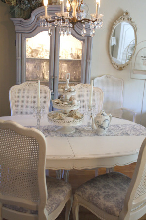 Shabby Chic Beach Cottage, It's not really a beach cottage, just my little rented apartment.  See my blog if you like it:  www.romantichome.blogspot.com, Living Rooms Design