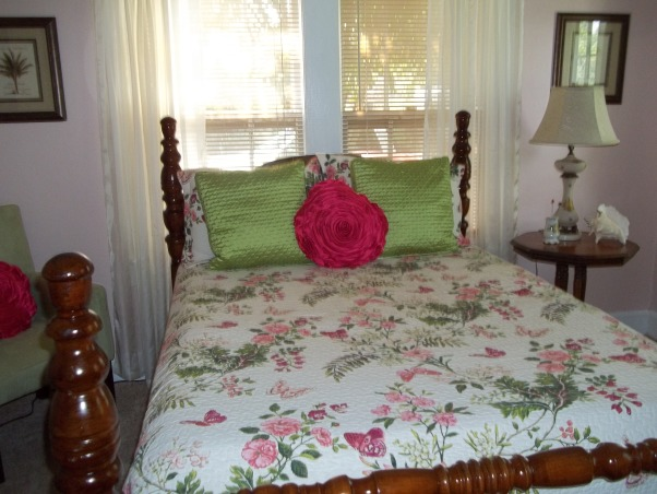 Our guest bedroom, We wanted a guest room that was welcoming and fun.I chose colors that would make people smile., Bedrooms Design