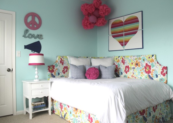 Pool Blue and Hot Pink Girl's Room with Corner Bed, Girl's room with pool blue paint, hot pink accents and a DIY corner bed.  I also mad the light up B.  It is my favorite thing in the room., Girls' Rooms Design