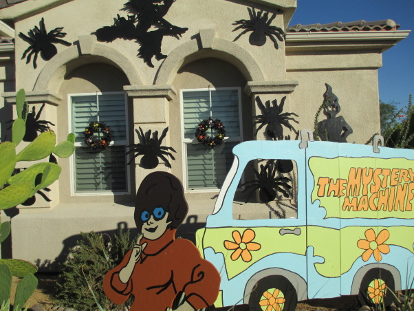 Halloween 2013 - Scooby Doo - Where are you?, My House in Palm Springs, CA Halloween 2013, Who can forget Velma , Holidays Design