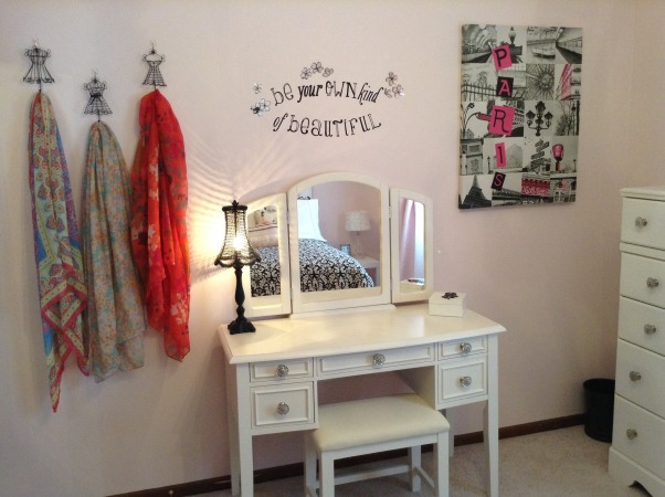 Pretty in Paris, Teen girls Paris dream!, Beauty station, Girls' Rooms Design