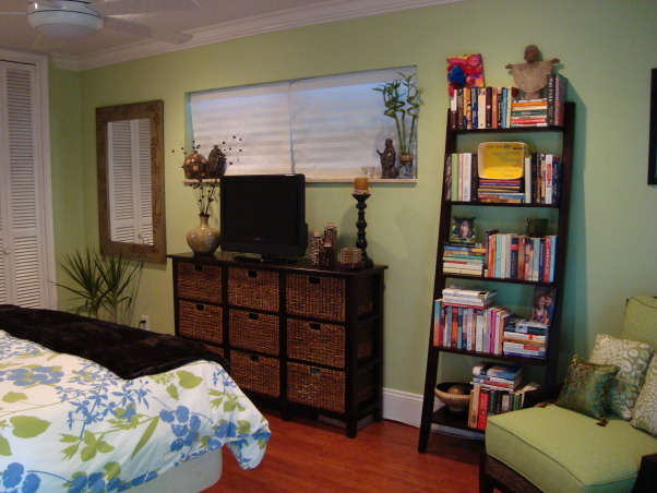 80 Ways To Decorate A Small Bedroom