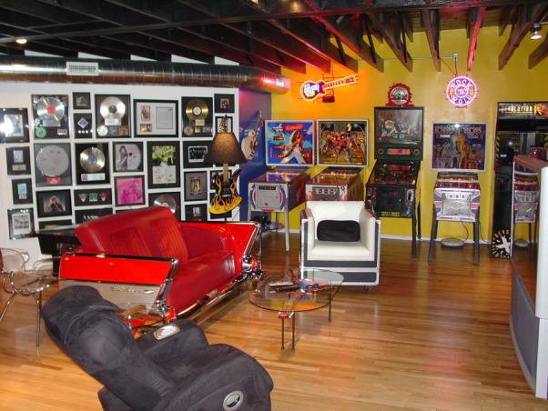 Dan Leap's Rock n Roll Loft , Dan Leap's Rock n Roll Loft above his GuitarLamp.com business., , Living Rooms Design