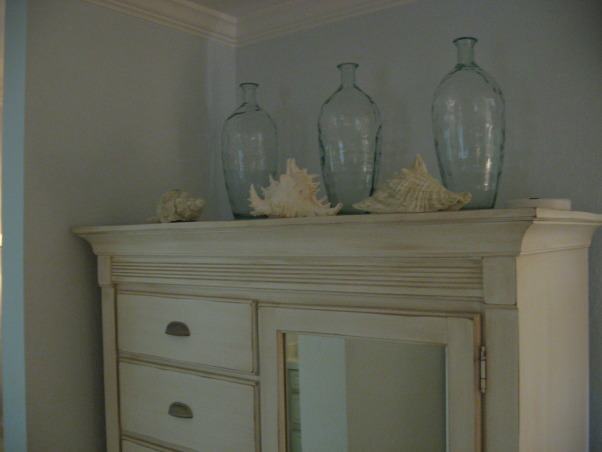 Ocean Inspired Master Bedroom, Beach glass bottles and shells I must be at the ocean , Bedrooms Design