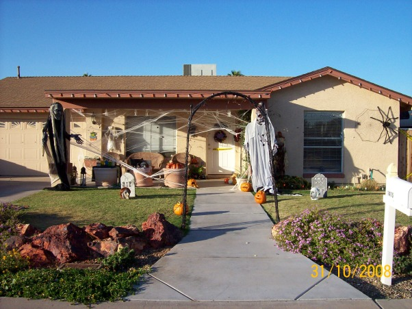 My Front Yard on Halloween!!!, This is my front yard on Halloween There are only 5 houses(including mine) on my street that decorated for Halloween. I wish there were more!!, , Yards Design