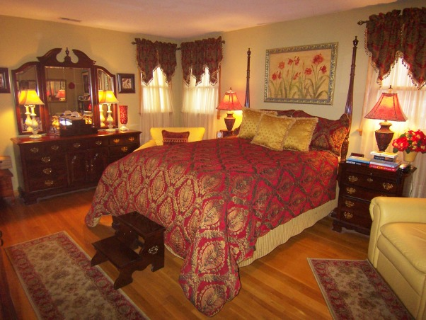 Information about rate my space hgtv for Red and gold bedroom designs