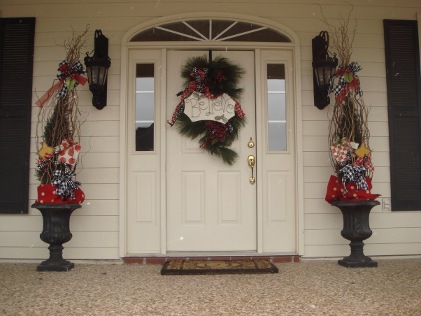 Christmas Porch, Decorating for Christmas on the front porch, , Home Exterior Design
