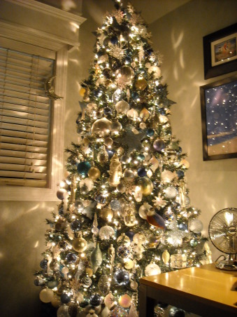 "Christmas in Moyock, Unveiling the 2008 Christmas trees at my home.  Enjoy!, The tree in my bedrooom themed ""Winter Ice""...a melding of blues aquas silvers and winter whites emblazoned with glitter and gleam., Living Rooms Design"