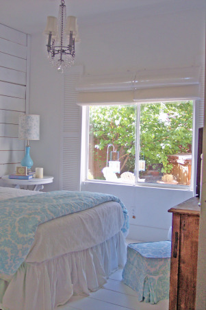 beach cottage guest room wannabe...., I created this guestroom to fulfill my desire to own a beach cottage.  More than a little difficult since we live in the desert!, Because of the Southern exposure we get lots of great sunlight., Bedrooms Design