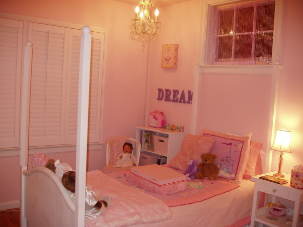 Daughter's Bedroom, This is my 8 year old's daughter's bedroom.  Obviously her favorite color is pink!, My daughter's bedroom.  She was 7 years old when I did this room for her.  Obviously her favorite color is pink!, Bedrooms Design