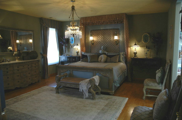 ROMANTIC MASTER BEDROOM, I designed and constructed the bedcreated all the beddingpillowsand drapes., I designed and created this one of a kind bed. All the beddingpillowsand draperies!, Bedrooms Design
