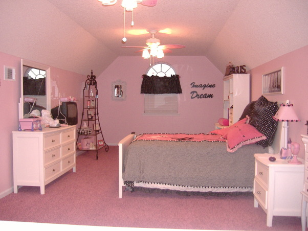 Young girls, Paris theme room, PINK! Poodles and Paris themed room., Pink girls room., Girls' Rooms Design